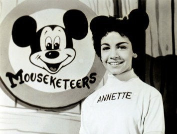 039_63371~Annette-Funicello-Posters